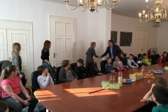 Obisk četrtošolcev OŠ Radeče na občini, 1. 4. 2019