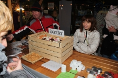 Tržnica in Prižig lučk na smreki, 1. 12. 2013